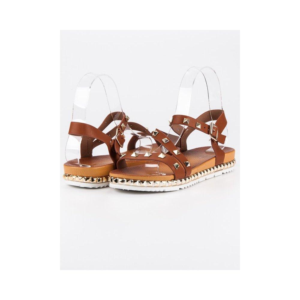 b545a1a138267 Hnedé sandále s cvokmi WSJ-51C - RioTopanky.sk