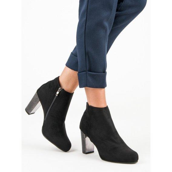 Elegantné topánky na stĺpci A218-01-05NE