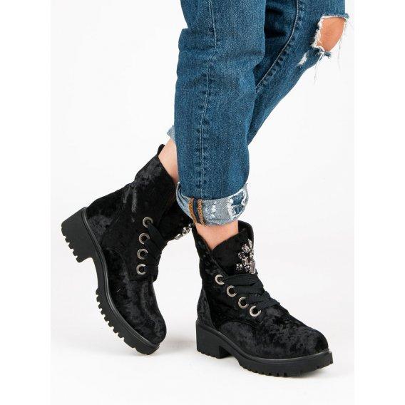 Módne velúrové topánky