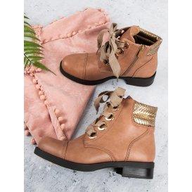 Púdrové topánky na plochom podpätku
