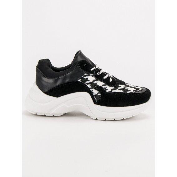 Športové topánky so vzorom