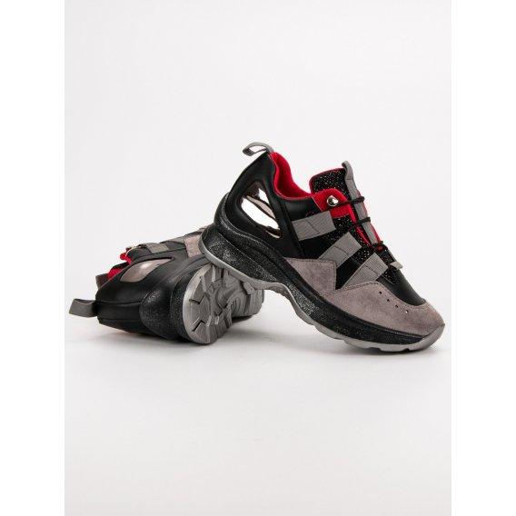 Ľahké sneakersy Vices