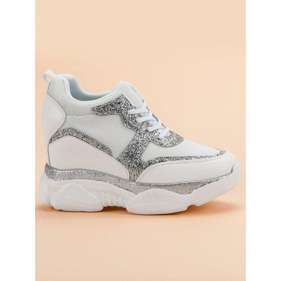 Sneakersy s brokátom