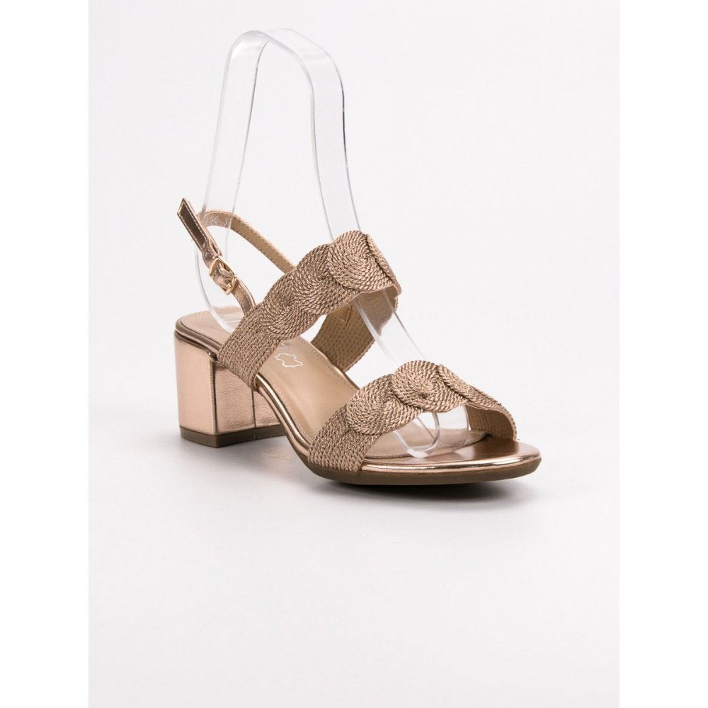 97b4110f2118 Elegantné zlaté sandále - RIOtopánky.sk