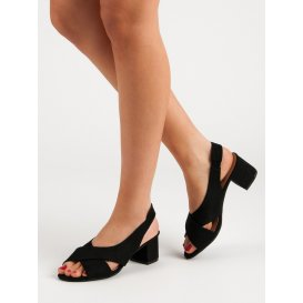 Semišové čierne sandále