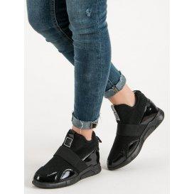 Nazúvacie sneakersy na platforme