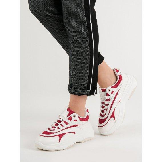 Biele a červené sneakersy