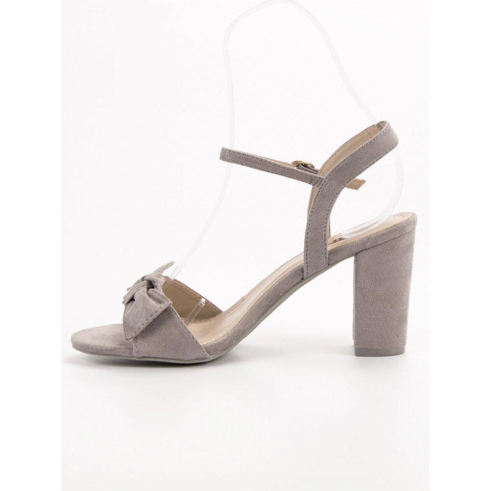 0ee48cd30f6e Semišové sandále s mašľou - RIOtopánky.sk
