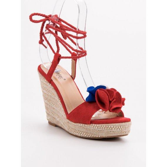 Viazané sandále na kline