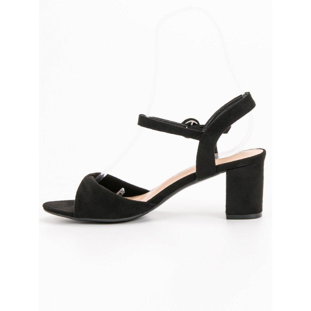b6cd8abce324c Elegantné čierne sandále - RIOtopánky.sk