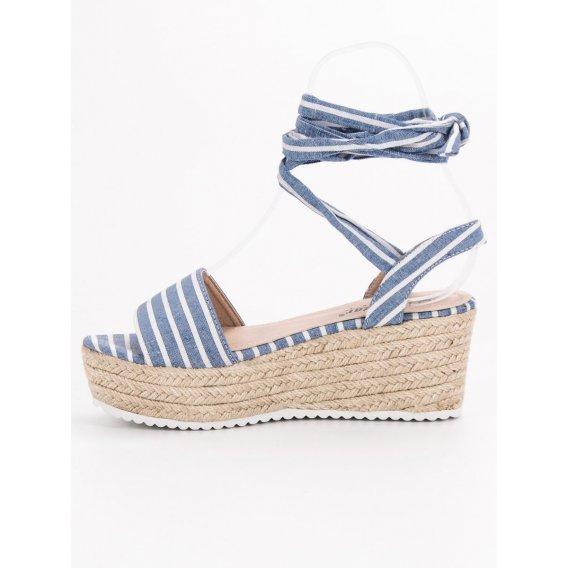 Prúžkované sandále na kline