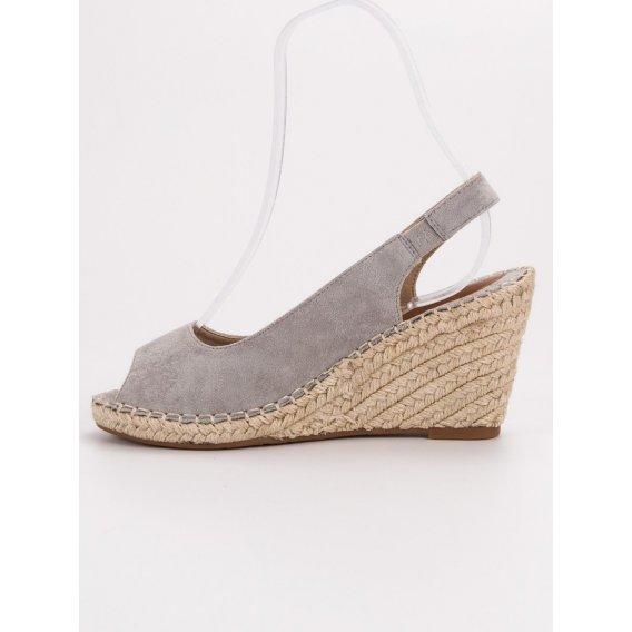 Sandále na kline