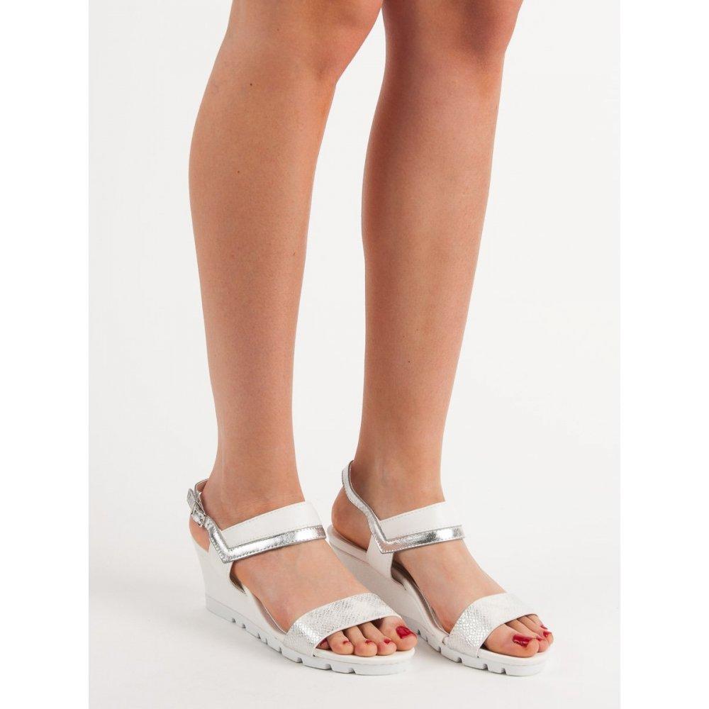 86ac7292e3c4 Biele sandálky na kline - RIOtopánky.sk