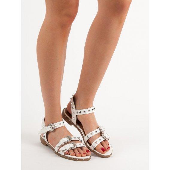 Biele sandále s cvokmi