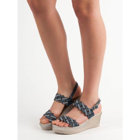 Ľahké sandálky na kline
