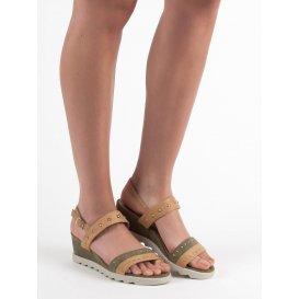 Sandále s cvokmi