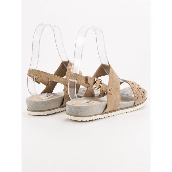 Béžové dierkované sandále