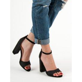 Pohodlné sandály na podpätku