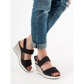 Ľahké čierne sandále