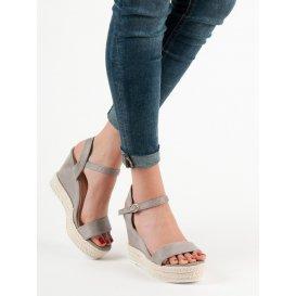 Štýlové sandále na kline