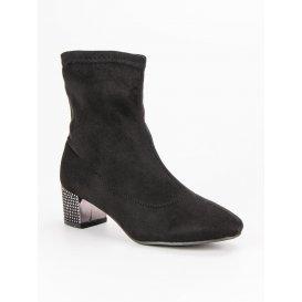 Nazúvacie čierne topánky A218-02-06NE