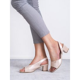 Elegantné nazúvacie sandále