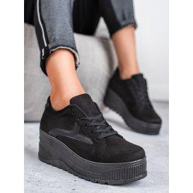Čierne topánky na platforme