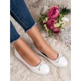 Elegantné biele baleríny