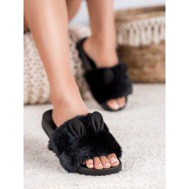 Čierne papučky s kožúškom