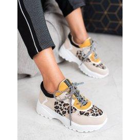 Módne sneakersy s leopradím vzorom