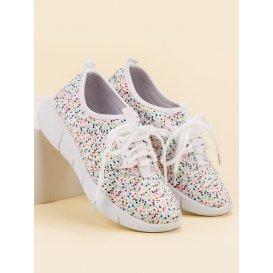Športové topánky s bodkami
