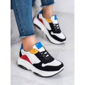 Ľahké sneakersy