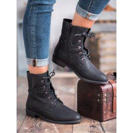 Módne viazané topánky