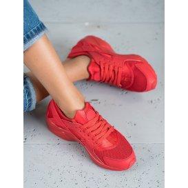 Červené športové topánky