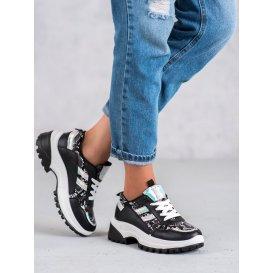 Čierne sneakersy s hadím vzorom