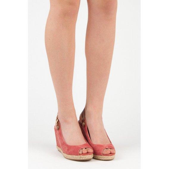Pohodlné sandále na kline