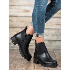 Čierne topánky s protektorom