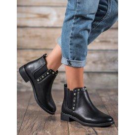 Čierne topánky s korálkami