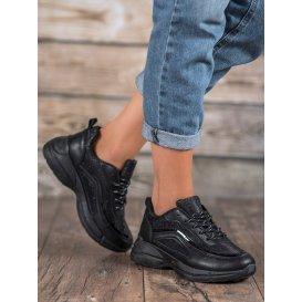 Lesklé športové topánky