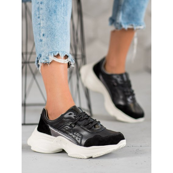 Šnurovacie športové topánky