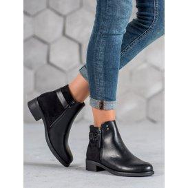 Čierne topánky na plochom podpätku