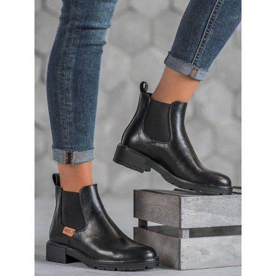 Dámske členkové topánky v čiernom odtieni