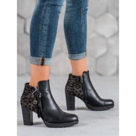 Dámske topánky s leopradím vzorom