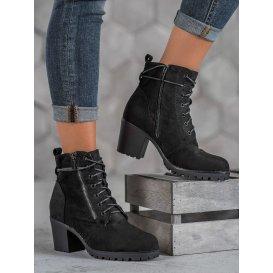 Šnurovacie členkové topánky na platforme