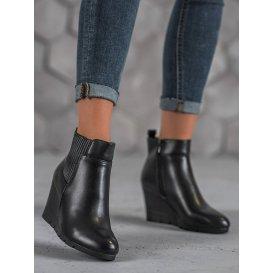 Dámske členkové topánky s čiernym odtieňom