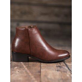 Klasické hnedé topánky