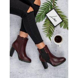 Bordové topánky na stĺpci K1808009BUR