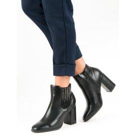 Elegantné topánky na stĺpci K1807310NE