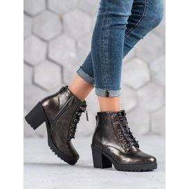 Členkové topánky na podpätku s metalickou farbou
