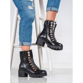 Šnurovacie topánky na podpätku